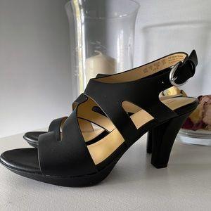 Naturalizer Dee Heel in Black